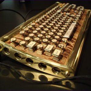 tastiera steampunk